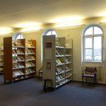 Verseghy Könyvtár hírlapolvasó